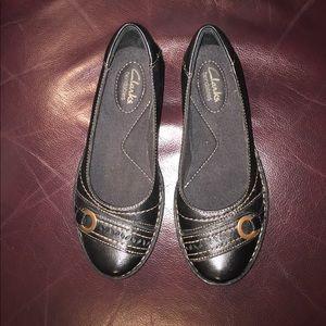 NWOT Clarks Sz 5.5M blk leather w small heel