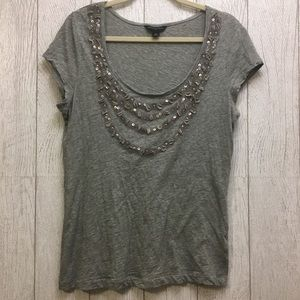 Banana Republic grey top with necklace pattern