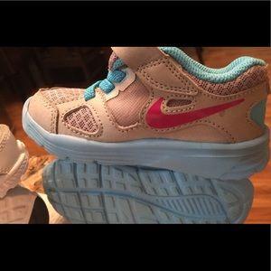 Toddler Nike size 6c