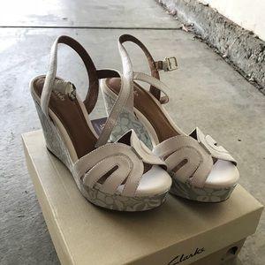 Amelia White New wedge Sandals