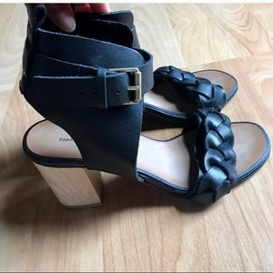 Black sandals - perfect condition