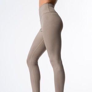Alo airbrush leggings