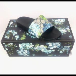 099b19e3b Gucci Shoes - Gucci GG Suprem Bloom Mens Slide Sandals  407345