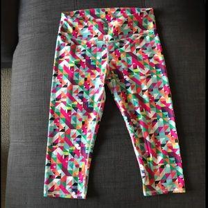 Fabletics geometric print capri leggings. Size: S