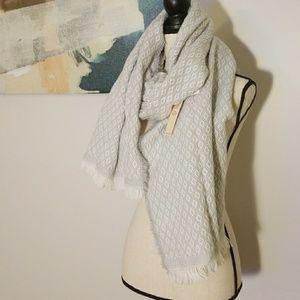 Gray and White Diamond Blanket Scarf