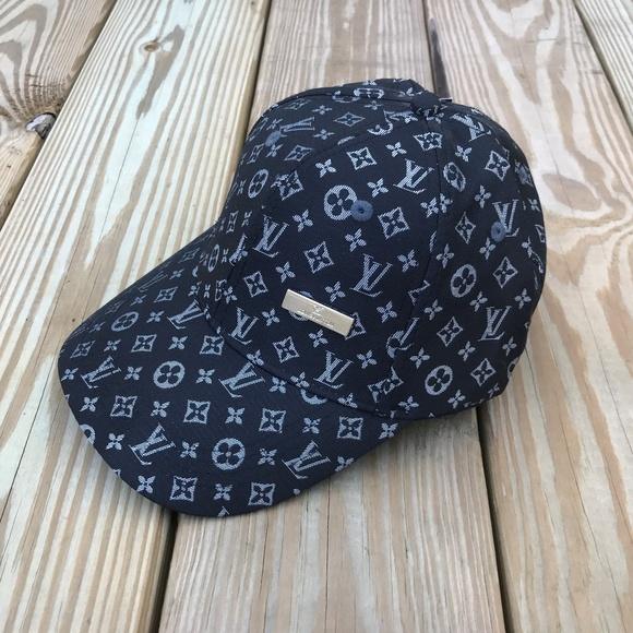 d3522c049b26a Louis Vuitton Other - Louis Vuitton Men s Cap Baseball Hap Black LV Cap