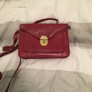 LEAVING ON FRIDAY Burgundy Urban Outfitters bag