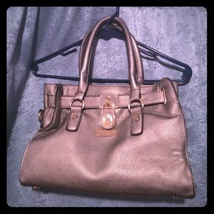 Small Michael Kors purse (not authentic)