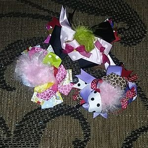 Other - 3 bows NeW