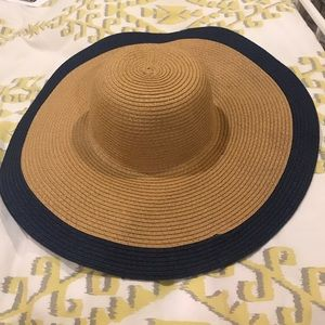 Straw natural/navy floppy hat - perfect for beach