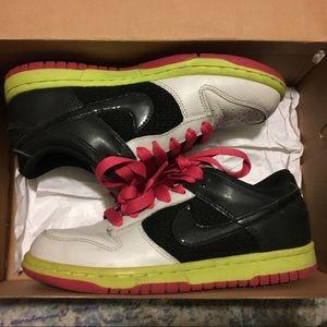 Nike low top kicks