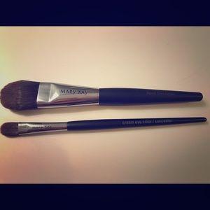 Mary Kay Foundation and Eye Shadow Brushes