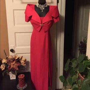 Women's size 6P dress two piece red amazing formal