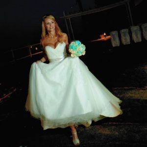 NIB Custom Lace Strapless Ball Gown Wedding Dress