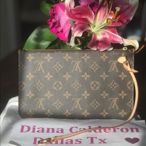 (SOLD)brand new Louis Vuitton neverfull pouch mm