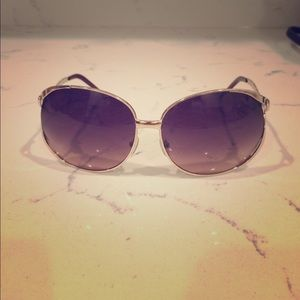 Accessories - Sunglasses with decorative arms