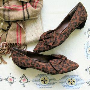 Nwob faux suede leopard print bow kitten heels