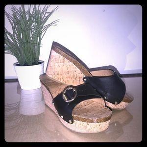 Tommy Hilfiger Honora Wedge Sandal (Size 8.5)