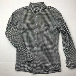 Uniqlo checkered button down casual shirt
