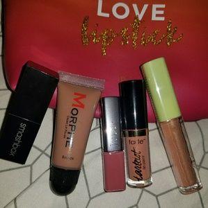 5 Mini lip sticks and lip gloss