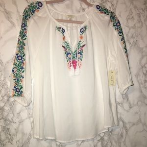 NWT! Embroidered Boho Hippie Tassels Peasant Top M
