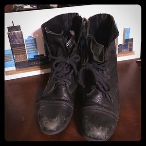 Steve Madden size 10 combat boots