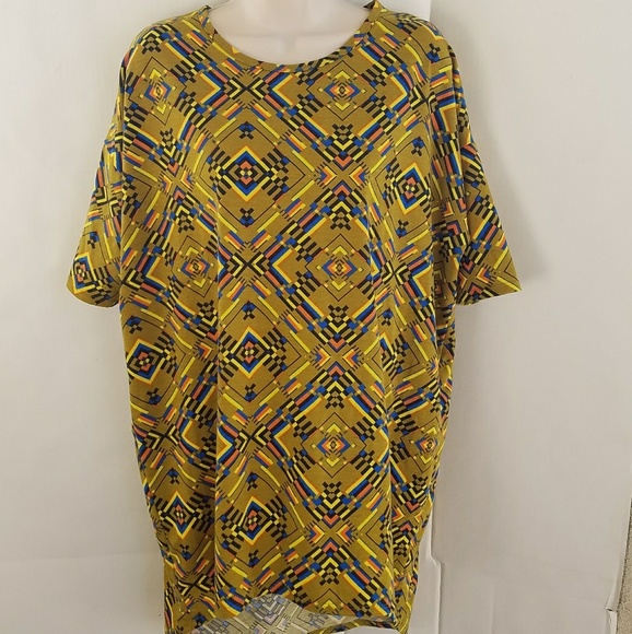 LuLaRoe Tops - LulaRoe simply comfortable short sleeve long shirt