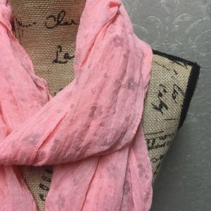 Soft peachy pink flowered scarf NWOT