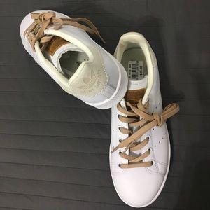 NWT Adidas Stan Smith (white, tan, gum sole)