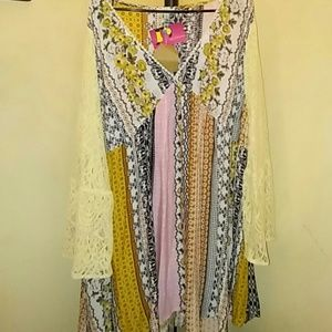 Beautiful sz xl peasant dress w/ lace bell sleeves
