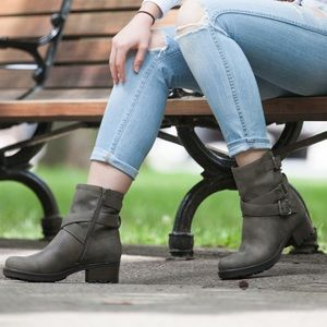 BIKER INSPIRED BOOTS / BOOTIES BY WHITE MOUNTAIN.