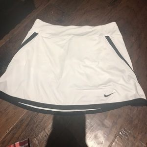 NIKE Tennis Skirt (KIDS LARGE)