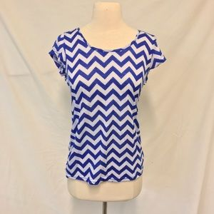 Rue 21 Blue Chevron Print Tee with Accent Back