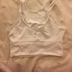 Adorable white Lulu crop top!