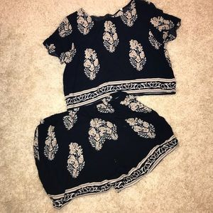Other - Crop top and shorts (2 in 1)
