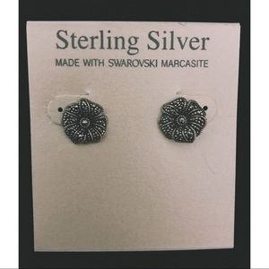 Sterling Silver 🌺 studs
