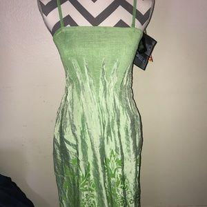Dresses & Skirts - Beautiful green dress👗 💚