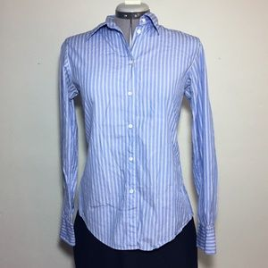 GAP Blue & White Stripe Fitted Button Down Size 6
