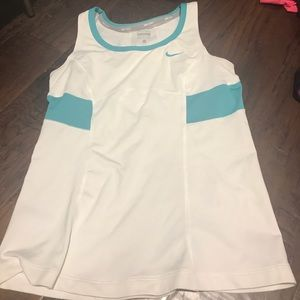 Nike Girls Tennis shirt (Kids large)