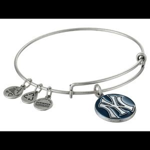New York Yankees MLB EUC alex and ani bangle