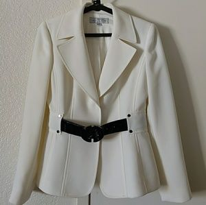 Tahari Arthur S. Levine Size 4P Beige Blazer