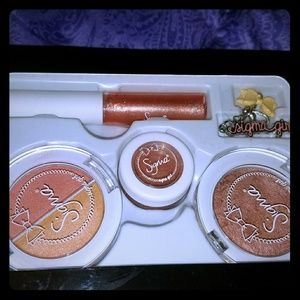 Sigma girl Color Pop Collection Pretty in Peach