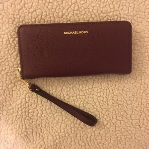 Michael Kors Mercer Leather in Plum