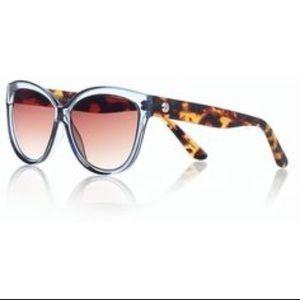 ♨️NEW ITEM♨️ Talbots Beveled Cateye Sunglasses