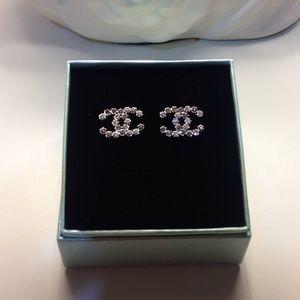 Crystal silver stud fashion earrings