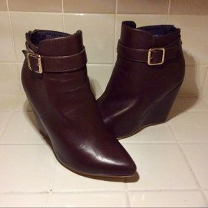 WEDGE BACK ZIP ANKLE BOOTS W/ BUCKLE STRAP