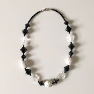 vintage acrylic chunky beaded choker necklace