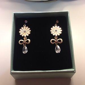 Flower fashion dangling cute earrings