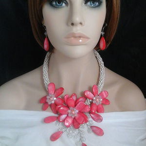 Red Mother of Pearl & Crystal Collar Necklace Set
