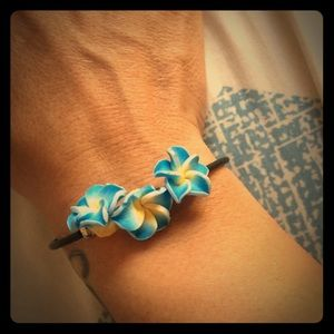 Gorgeous goddess plunders trio magnetic bracelet